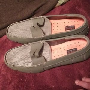 MENS SZ 8 SWIMS SLIP ON TAN LOAFERS